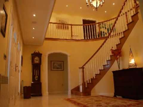 Interiorismo casas de estructura de madera youtube - Casas americanas interiores ...