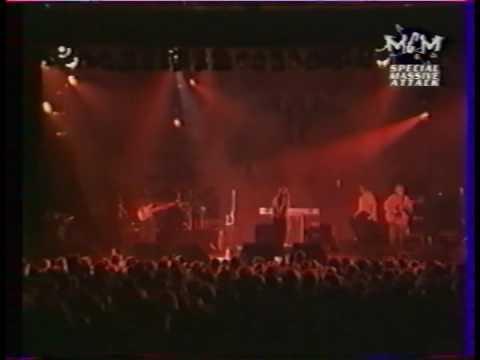 Massive Attack - Dissolved Girl (Live - Berlin Arena 1997)