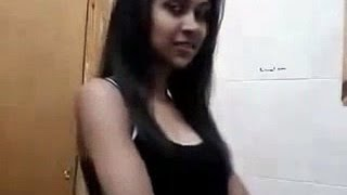 sexy  dance by college hostel girl on honey singh chut vol 1 (leaked mms)