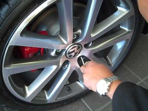 Changing a Tire on a 2010 VW Jetta-Greenville SC-Steve White VW - YouTube