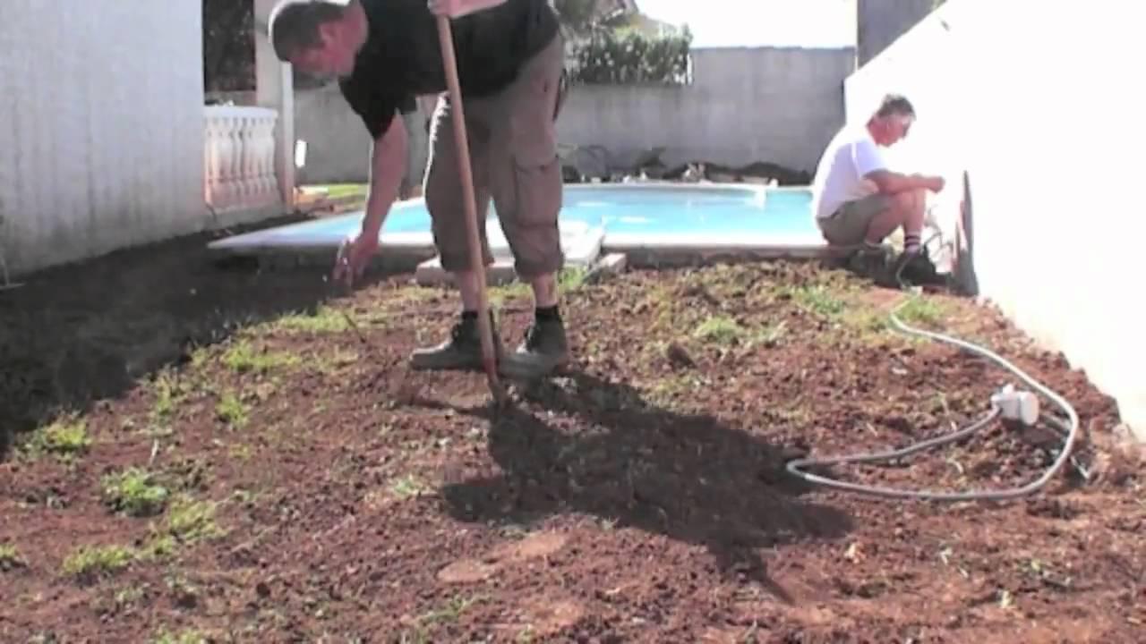 comment poser une terrasse sur de l'herbe