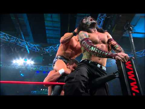 Genesis 2013: Jeff Hardy Vs. Austin Aries Vs. Bobby Roode (world Title Match) video