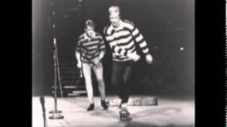 Watch Jan & Dean Folk City video
