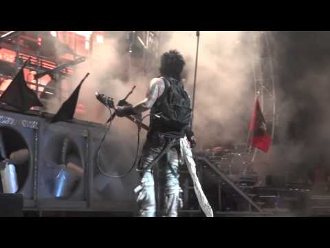 Motley Crue Nikki Sixx Live On stage Tampa 7/28/2012 with daughter