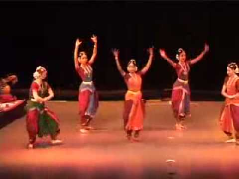 Awsome bharatanatyam group perfomance