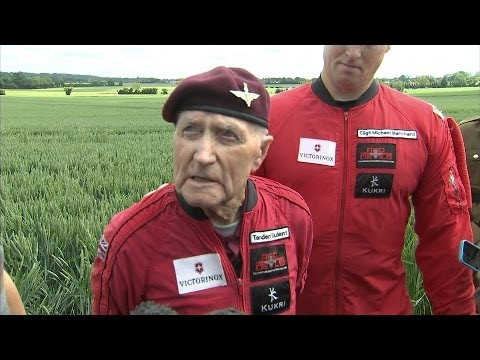 D-Day: 89-Year-Old War Veteran Leaps From Plane