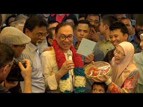 Anwar Ibrahim walks free, says won't join cabinet any time soon