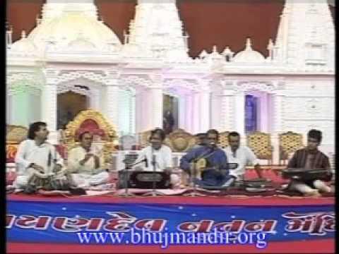 Anup Jalota Bhuj Mandir 08