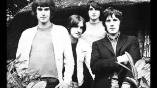 Watch Kinks Artificial Man video