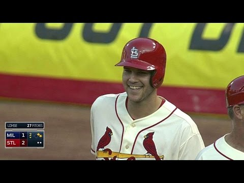 MIL@STL: Masterson singles in first Cardinals at-bat