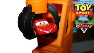 Disney Pixar Cars Lightning Mcqueen gets saved by Toy Story Buzz Lightyear & Woody!