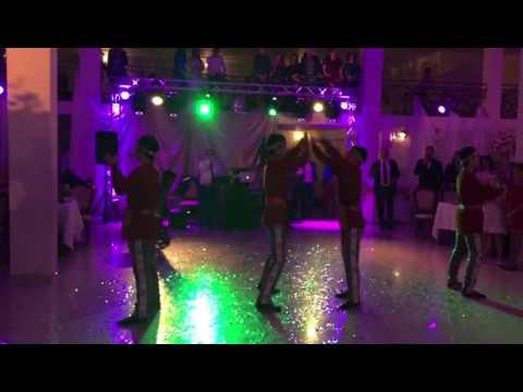 Армянский национальный танец Ярхушта