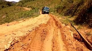 Khi xuống dốc và  kinh nghiệm lái xe lâu năm, đường khó cũng không vấn đề gì,
