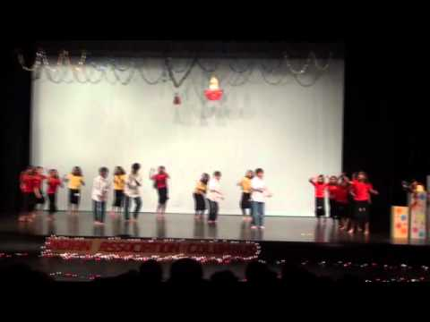 Group Dance On Bollywood Songs By Kids From Columbus In video