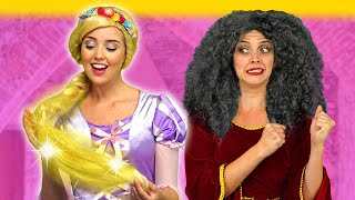 RAPUNZEL'S MAGIC HAIR. (Can Elsa, Jasmine, Snow White and Merida Save her from Mother Gothel?)  from Totally TV