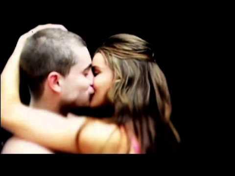 Rosie Huntington-Whiteley kissing