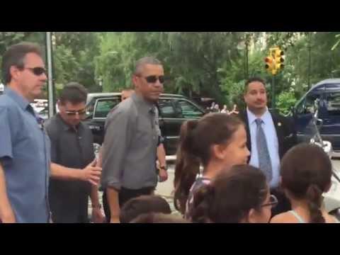Obama meets my children at Central Park / Obama saluda a mis hijas en el Central Park!
