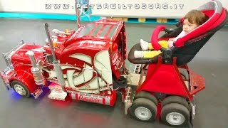 Super Baby Carriage! Around my daughter with Peterbilt 359 RC