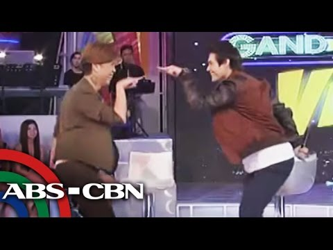WATCH: Enrique Gil learns dance moves from Vice Ganda