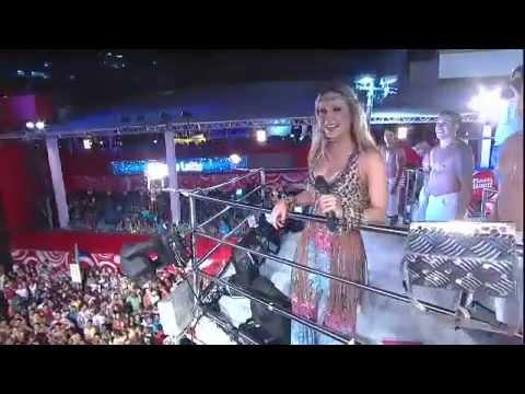 Claudia Leitte canta Largadinho no Carnaval 2013 08/02/2013