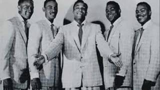 34 White Christmas 34 The Drifters