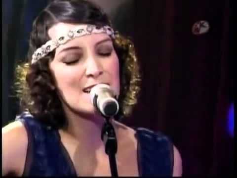Ricardo Arjona ft Gaby Moreno Fuiste tu (en vivo).avi Music Videos