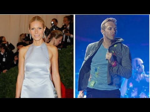Gwyneth Paltrow and Chris Martin Kiss at Coldplay Concert