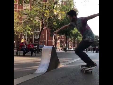 Shark fin session with @shaunhover 🌊😅 🎥: @kylechampton & @christian_leanza   Shralpin Skateboarding