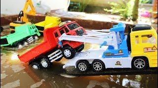 อุบัติเหตุรถบรรทุกเสียหลัก รถแม็คโครขุดดินในสระน้ำ รถดั้ม รถตัก รถเครน รถก่อสร้าง  Excavator and d