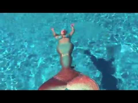 Mermaid Melissa swimming - copper & green mermaid tail