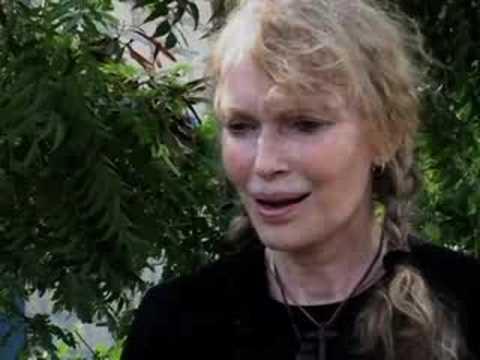 UNICEF: Ambassador Mia Farrow on the devastation in Haiti