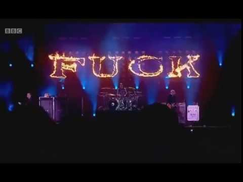 Blink 182 - Violence Live