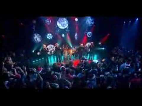 Blue - Lonely this Christmas (live)
