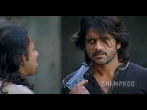 Nagarjuna Rescues Ayesha Takia - Robbery Action Scene