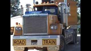 Mack SuperLiner V8 Australia Road Train SJ McCutcheon Narromine