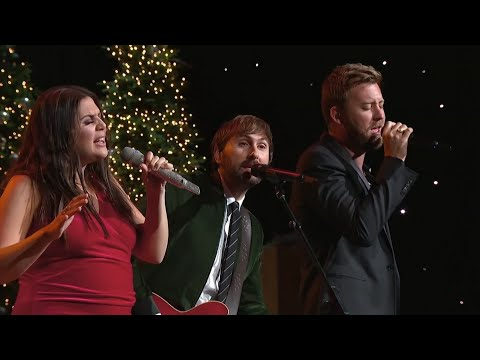 Cuddle up with CMA's Country Christmas celebration