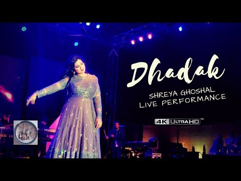 Download Lagu  Dhadak Title track | Shreya Ghoshal LIVE performance Mp3 Free