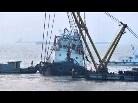 BBC News-China boat capsize on Yangtze river kills 22