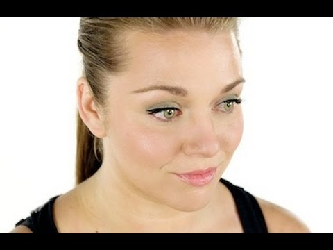 Everyday Spring Trend Look: Makeup Tutorial Video with Robert Jones
