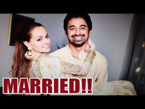 Rannvijay Singh Releases Unseen Wedding Pictures Of Wife Priyanka -- Must Watch! video