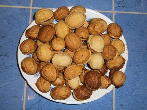 Как приготовить орешки со сгущенкой - видео
