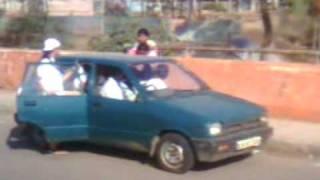 just see the capacity of Maruti 800