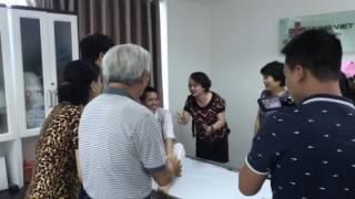 Nghệ sĩ trà My và CLB yoga cười tại Bv Hưng Việt