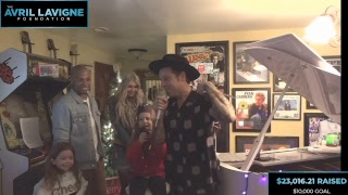 Avril Lavigne Live Stream - Live at Ryan's Living Room to Benefit The Avril Lavigne Foundation