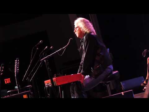 Arlo Guthrie - All Over The World