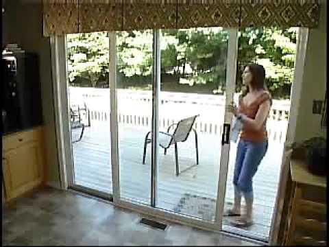 Bloqueo para puertas y ventanas corredizas burglabar youtube for Amaru en la puerta de un jardin