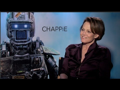 Sigourney Weaver interview - Chappie, Alien, Ghostbusters, Avatar