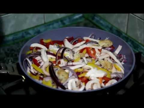 Как пожарить кальмары на сковороде - видео