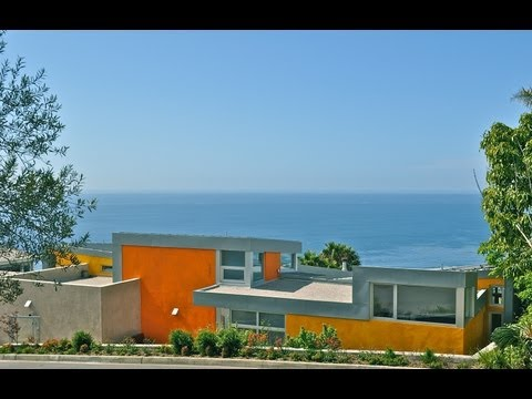 Possibly the Finest Modern Home in Laguna Beach, by Chris Guziak