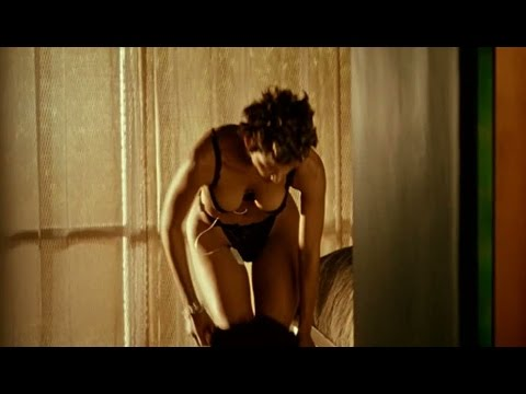 Halle Berry's HOT Chocolate Body!